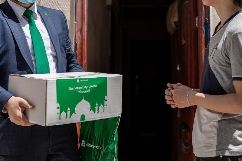 Rabitəbank Ramazan bayramında aztəmaninatlı tənha yaşayan ahılları sevindirdi