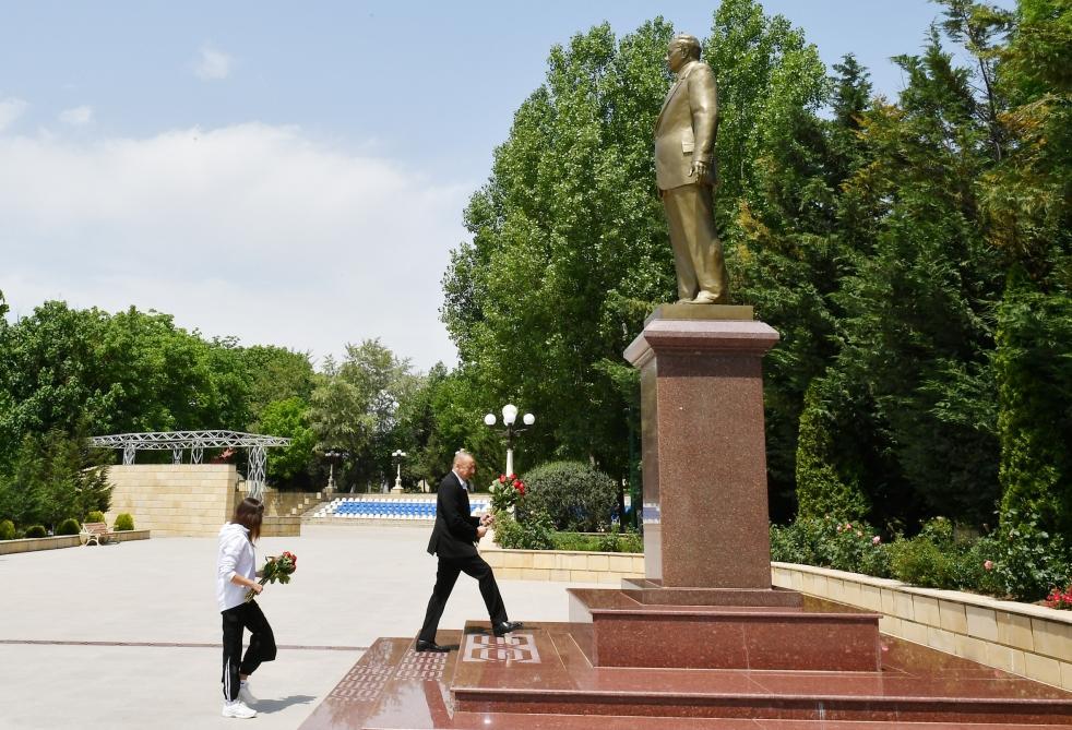 Президент Ильхам Алиев и Первая леди Мехрибан Алиева прибыли в Шамахинский район