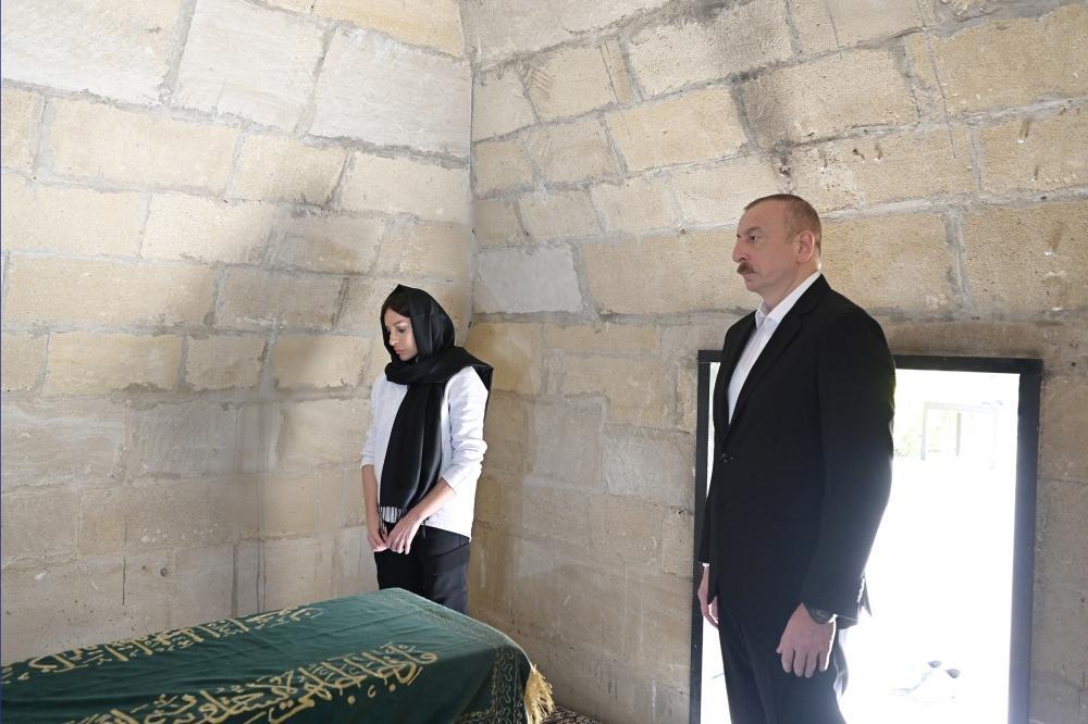 Президент Ильхам Алиев и Первая леди Мехрибан Алиева ознакомились с работами, проводимыми в рамках реконструкции святилища Пирсаат Баба в Шамахе