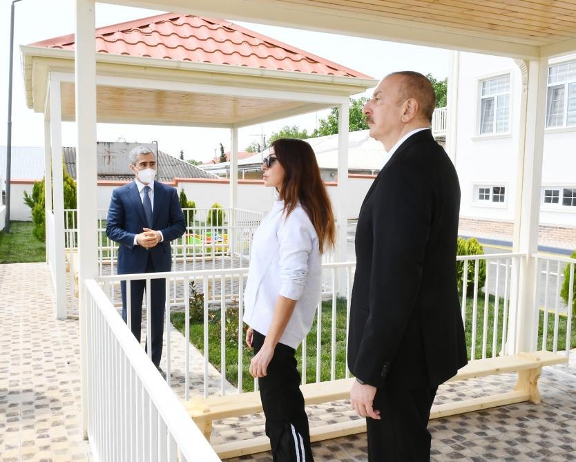 Президент Ильхам Алиев и Первая леди Мехрибан Алиева приняли участие в открытии детсада-яслей, построенного в Шамахе по инициативе Фонда Гейдара Алиева