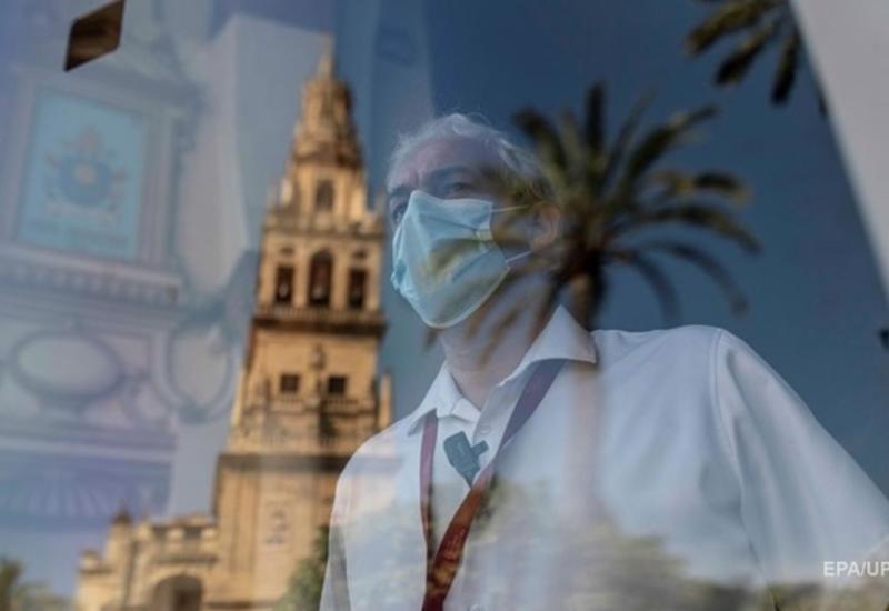 В Испании объявили десятидневный траур по жертвам коронавируса