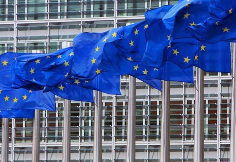 Еврокомиссия начала восстанавливать работу своих чиновников из офиса