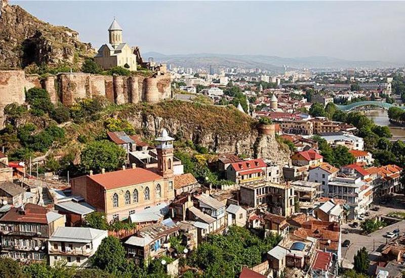 Число туристов, посетивших Грузию сократилось на 80%