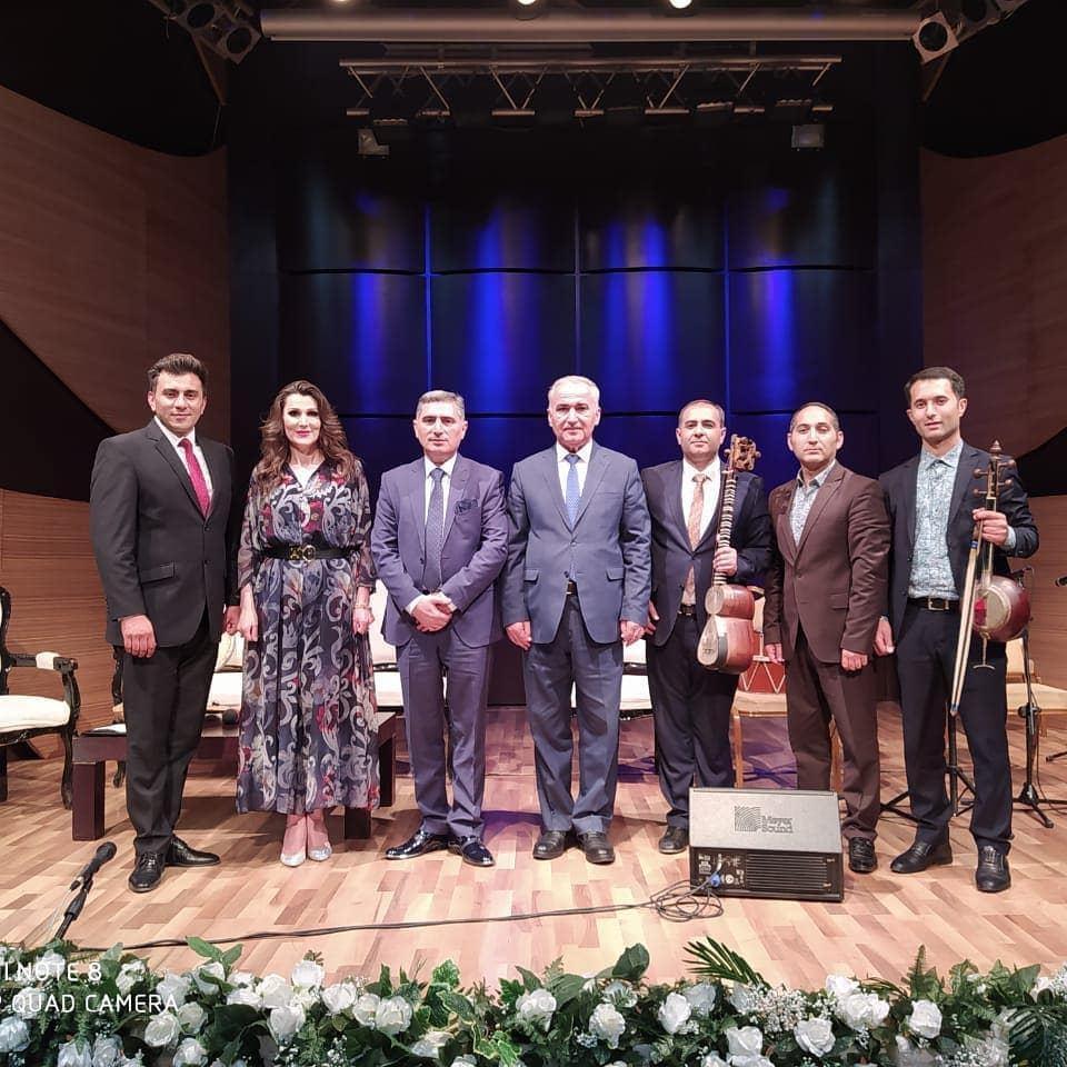 """Очередной выпуск передачи """"Muğam ustadları"""" из Центра мугама был посвящен памяти Наримана Алиева"""