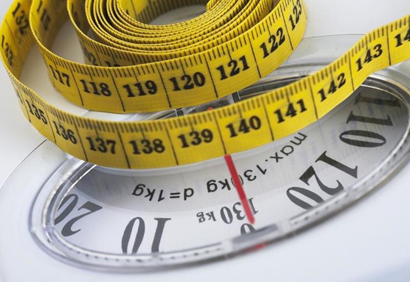 Диетолог назвал главную причину набора веса в самоизоляции