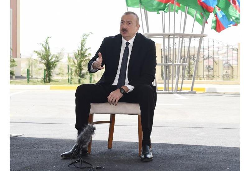 Президент Ильхам Алиев: У меня на глазах армяне стояли перед Гейдаром Алиевым по стойке смирно, приветствовали его