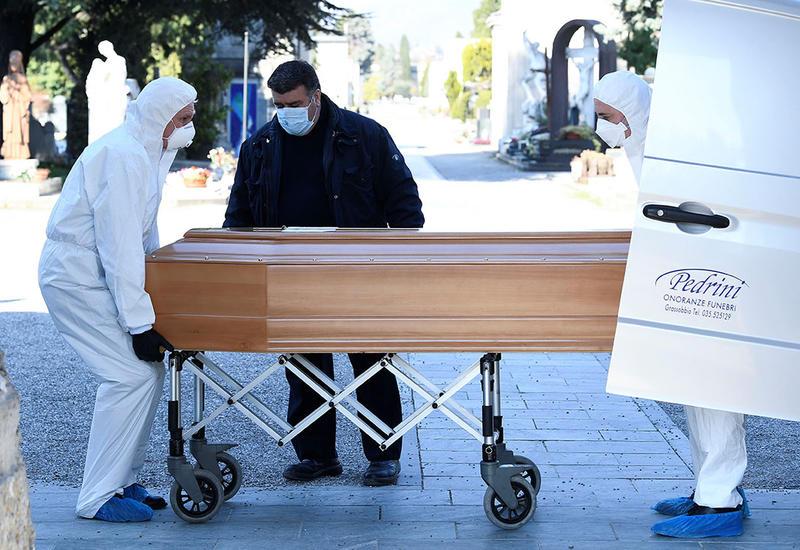 Вмире отCOVID-19 умерли более 360 тысяч человек