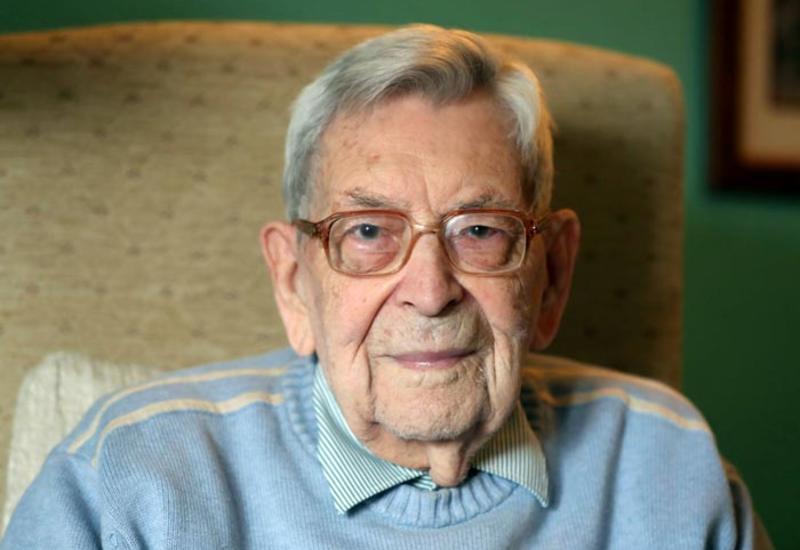 Умер самый старый мужчина на Земле