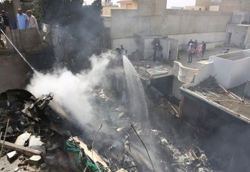 Французские эксперты начнут 2 июня расшифровку самописцев с пакистанского самолета