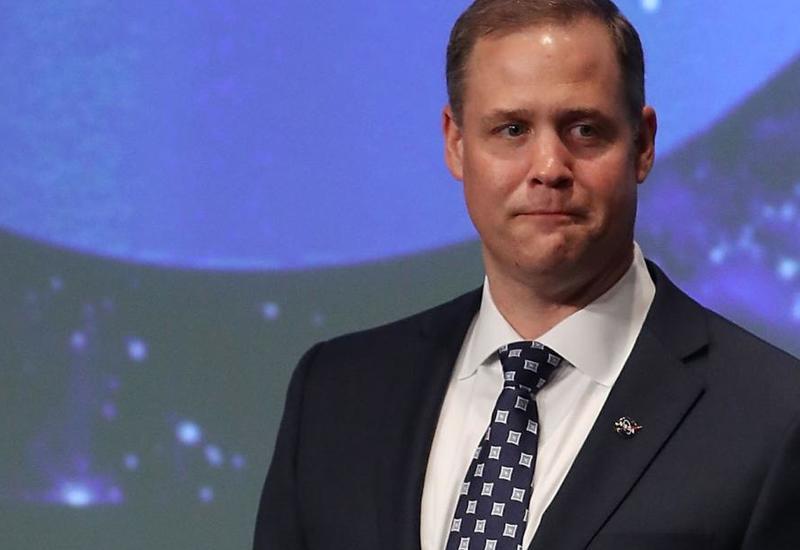 Директор NASA сказал, когда отпразднует запуск корабля Crew Dragon