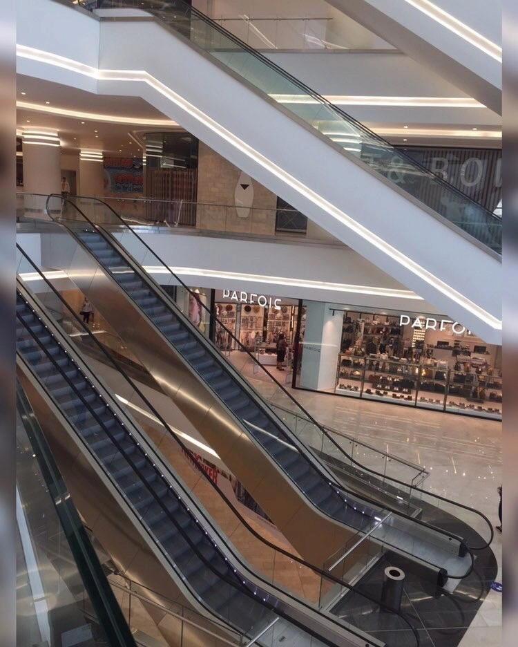 """Вот как выглядит """"Dəniz Mall"""" изнутри"""