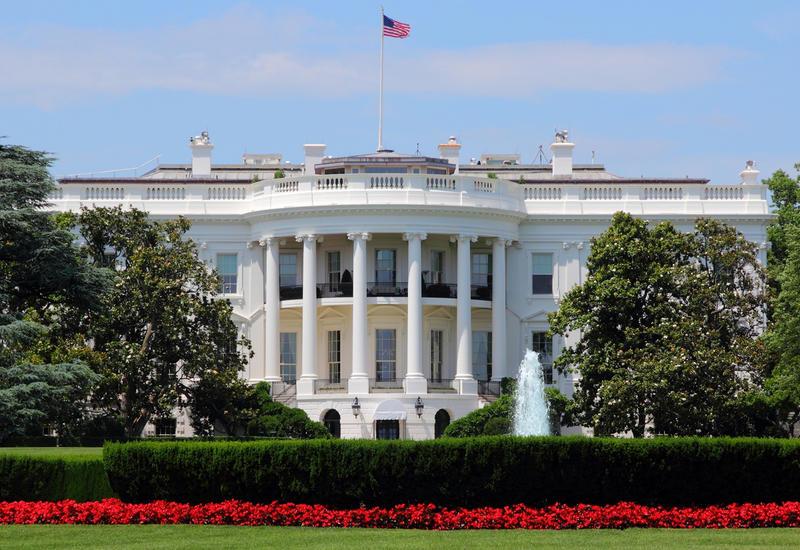 Сотрудников Белого дома призвали не выходить на работу из-за протестов