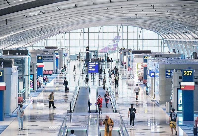 Аэропорт Гонконга частично возобновляет транзитное обслуживание