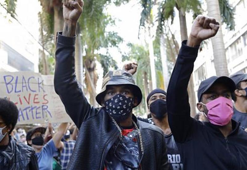 Инфекция, протесты и смерть: в Бразилии ухудшается ситуация с COVID-19