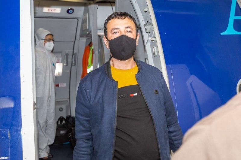 Чартерным рейсом из Москвы в Баку вернулись 175 граждан