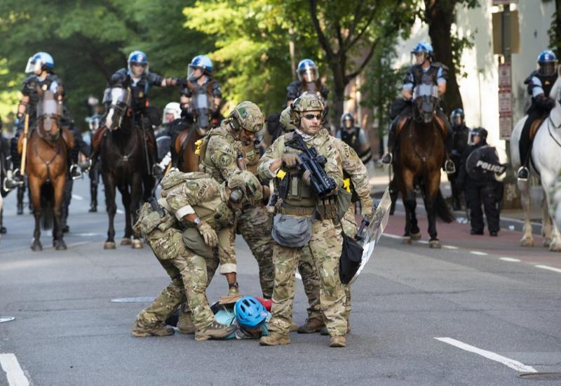 Военные начали покидать Вашингтон
