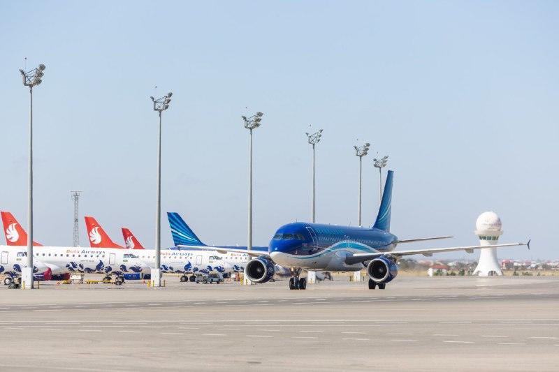 В Баку из Турции вернулись 144 гражданина Азербайджана