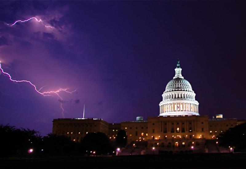 Молния ударила в военных во время протестов в Вашингтоне