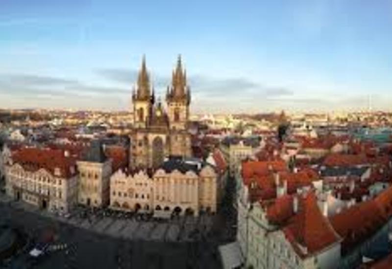 Власти Чехии сняли запрет на поездки в три страны
