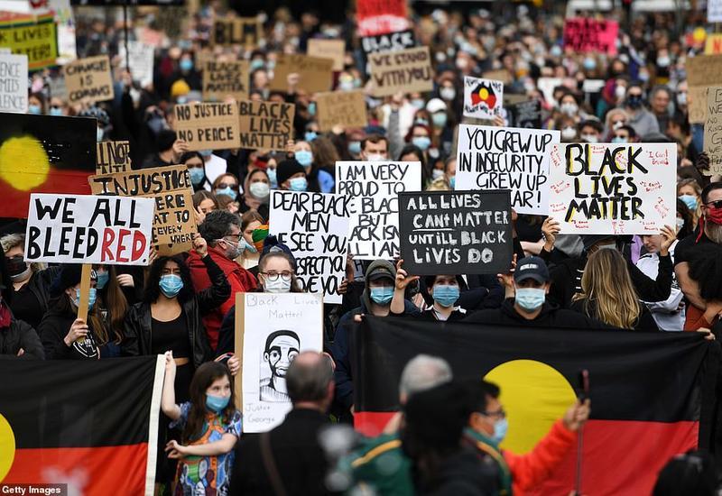 В Австралии тысячи активистов вышли на марши против расизма и жестокости полиции