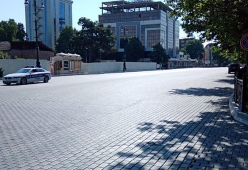 Первый день запрета выходить на улицы в Гяндже