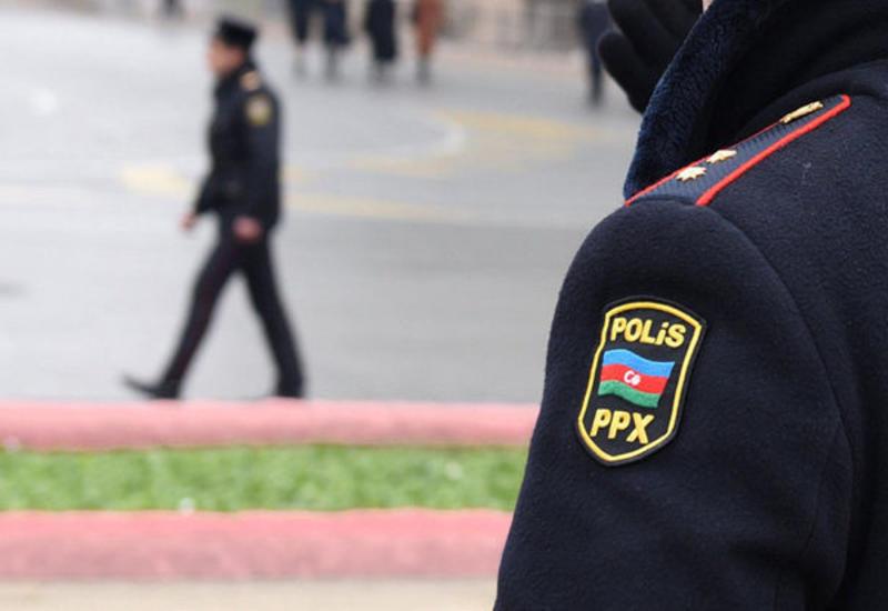 В первый день жесткого карантина в Баку полицейские спасли женщину
