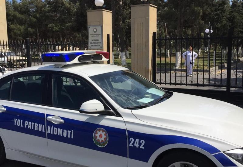 Полиция оцепила маркет в Баку