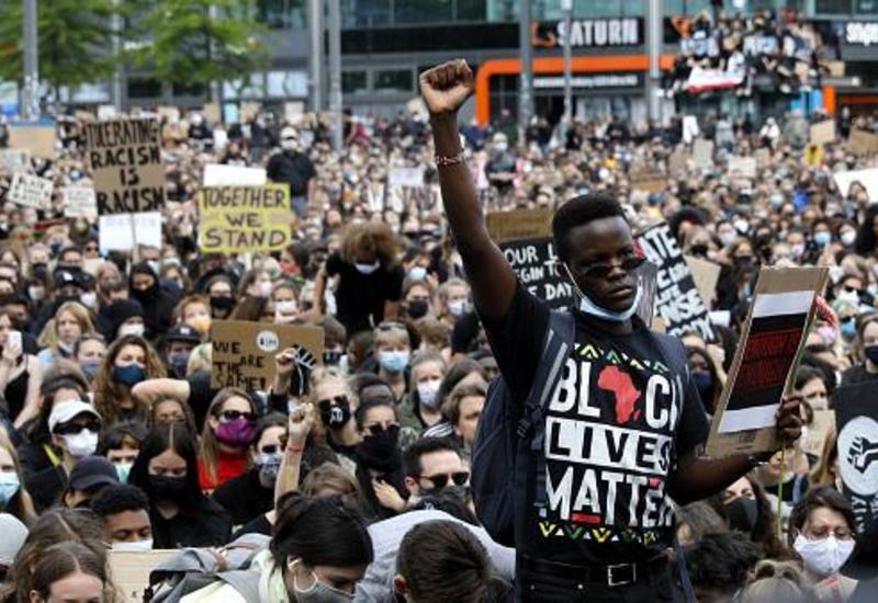 """Протесты в Европе: """"Нет расизму!"""""""