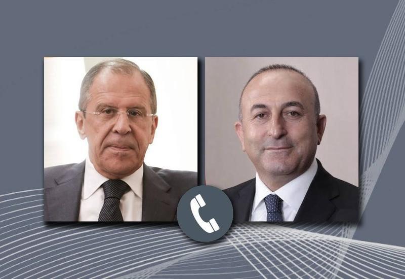 Главы МИД Турции и России провели телефонный разговор