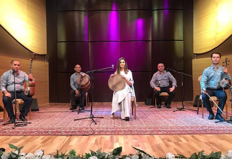Из Центра мугама продолжается трансляция музыкальных программ
