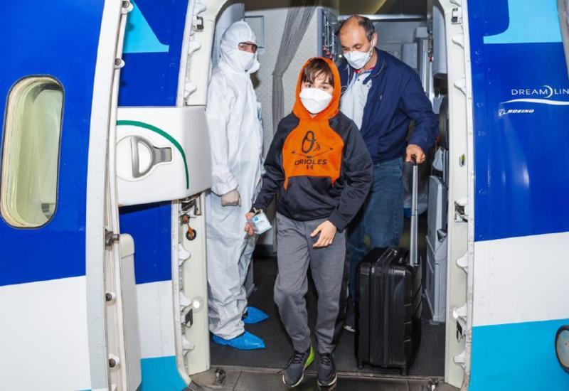 AZAL вернул в Азербайджан 217 граждан чартерным рейсом из Нью-Йорка