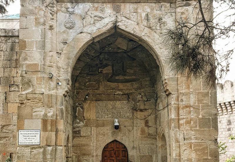 Архитектор Нигяр поделилась интересными фактами о мечети Туба Шах в Мярдякяне