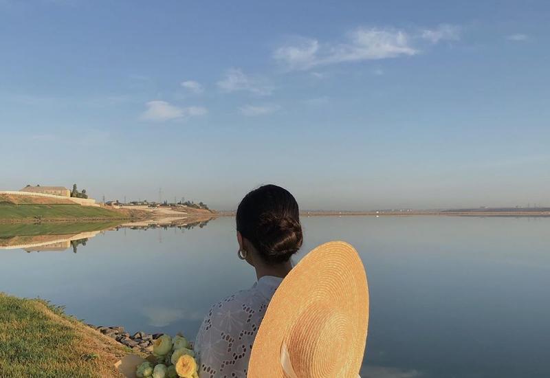 Модный блогер Назрин Агарзаева поделилась красивым пейзажем