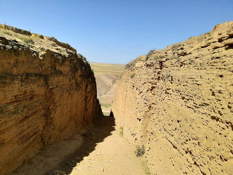 Удивительный Азербайджан: Пещерный город в Гобустане