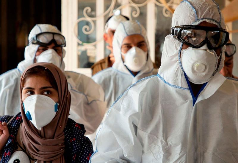 За сутки в Иране выявлено 2 349 новых случаев инфицирования коронавирусом