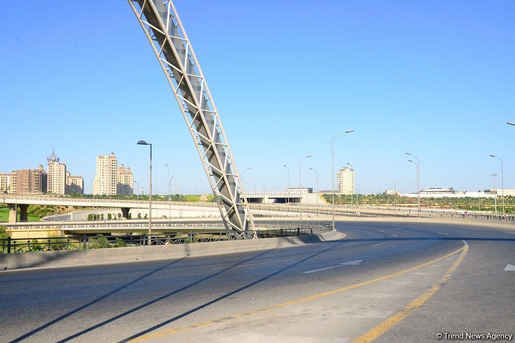 Опустевший Баку: Невероятные кадры города в первый день жесткого карантина