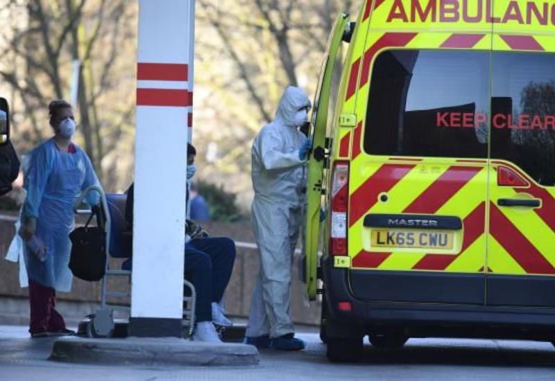 В Великобритании четвертый день подряд умирает больше 1 тыс. больных COVID-19 в сутки