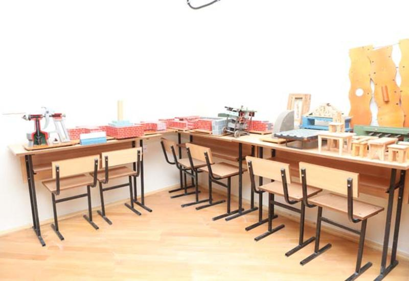 В пяти школах Баку созданы классы с профессиональным уклоном