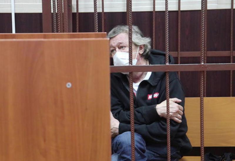 Адвокат рассказал о желании Михаила Ефремова сесть в СИЗО