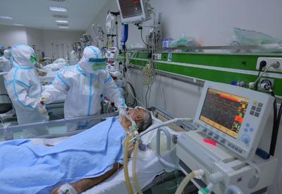 Герои в белых халатах: азербайджанские врачи, борющиеся с коронавирусом - ФОТОРЕПОРТАЖ