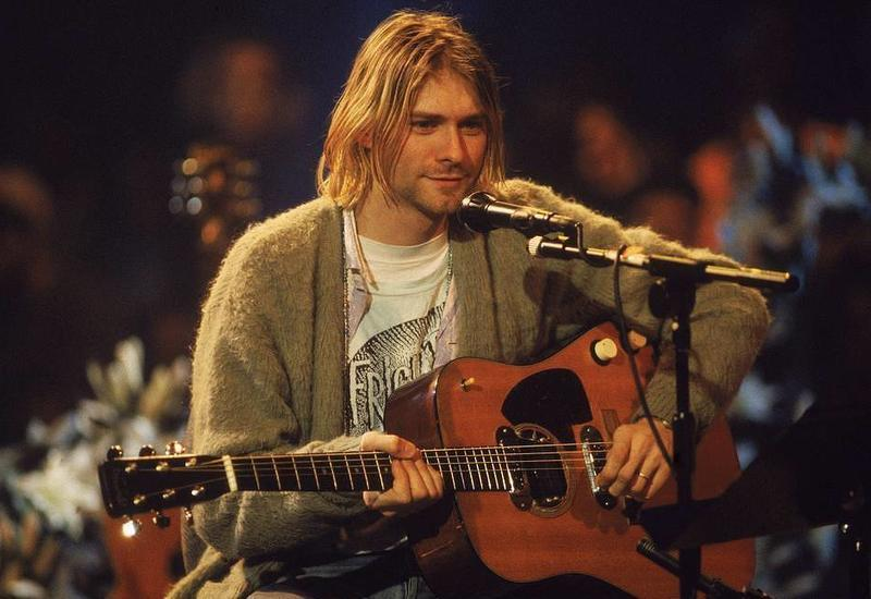 Гитару Курта Кобейна продали на аукционе за $6 млн