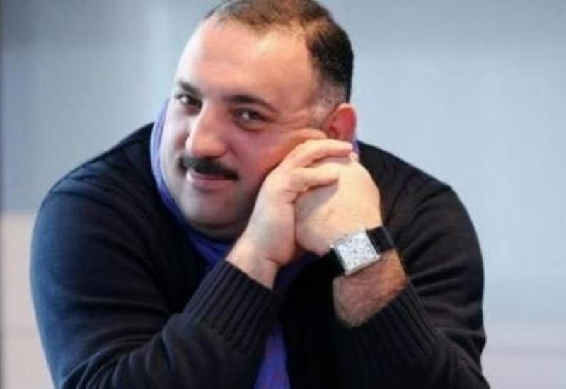 "Baku Book Center провел ""Час чтения"" книг Бахрама Багирзаде"