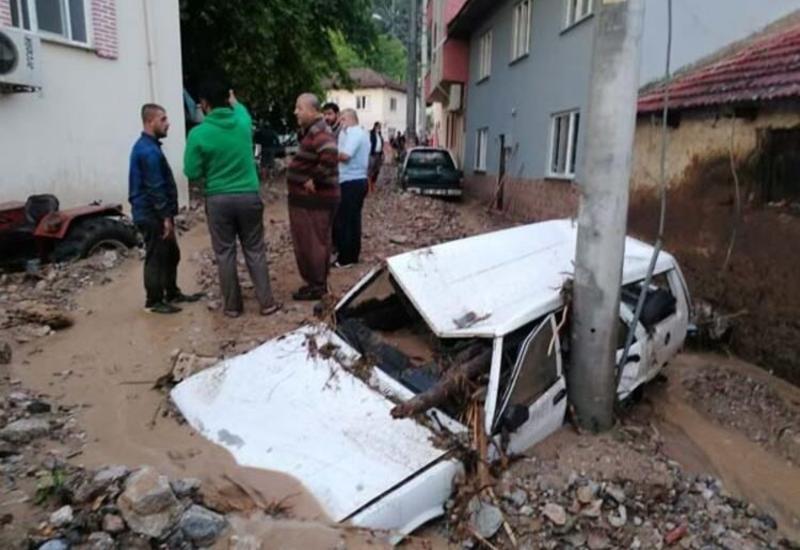 В Турции два человека погибли в результате наводнения