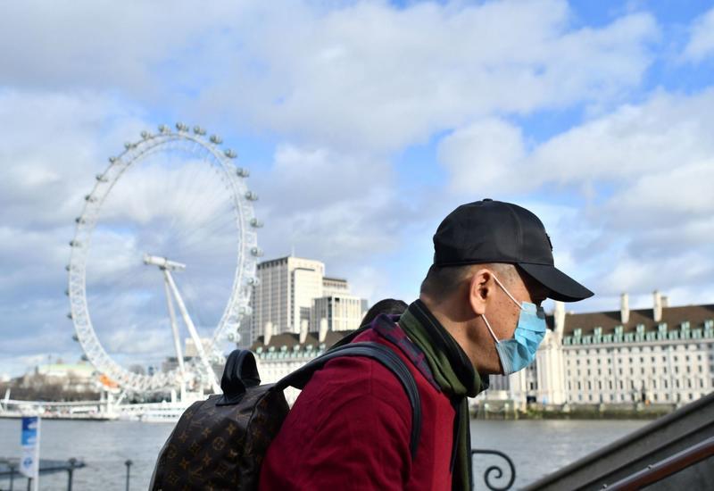Власти Британии хотят выплачивать по $685 инфицированным коронавирусом в Англии