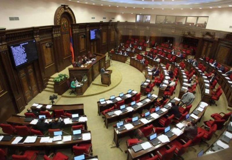Депутаты армянского парламента заразились коронавирусом