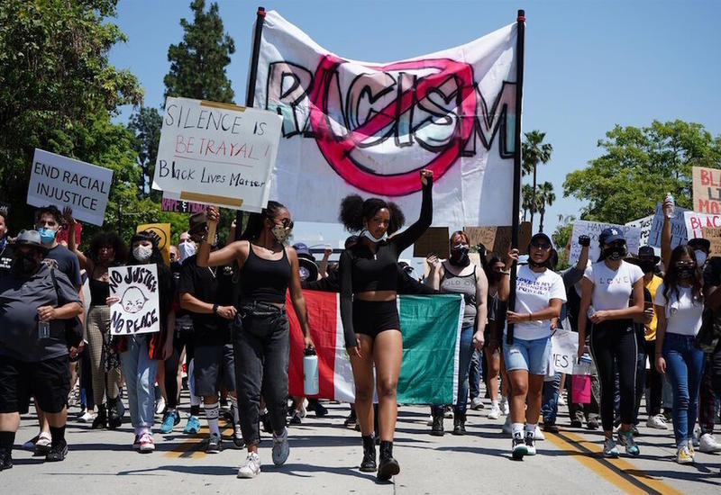 Более 300 темнокожих деятелей кино требуют от Голливуда покончить с системным расизмом