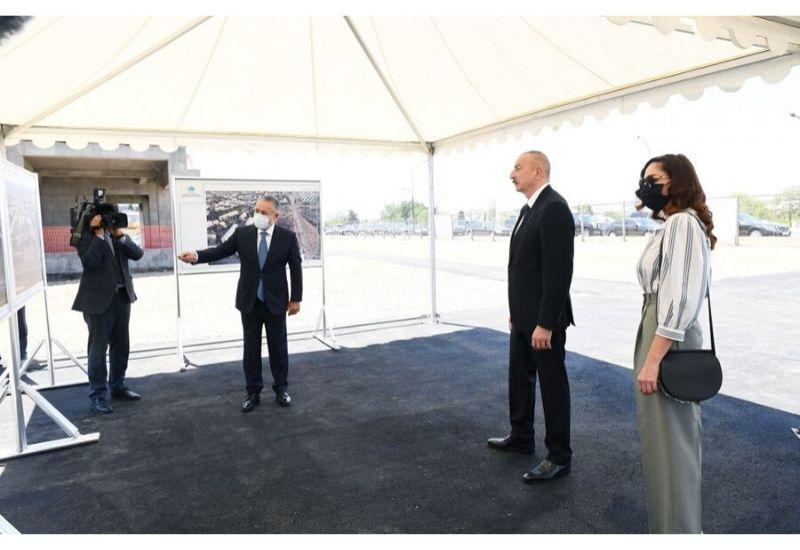 Президент Ильхам Алиев и Первая леди Мехрибан Алиева ознакомились со строительством жилого комплекса, возводимого Госагентством жилищного строительства в Гяндже