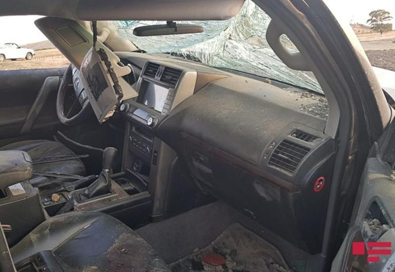 В Исмаиллы перевернулся автомобиль, пострадали два человека