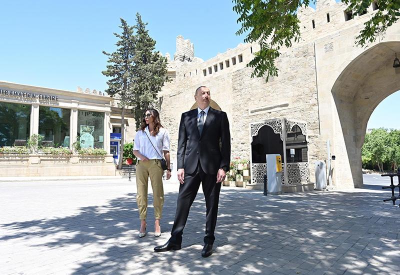 Президент Ильхам Алиев и Первая леди Мехрибан Алиева ознакомились с реставрационно-консервационными работами, проводимыми в части Ичеришехер