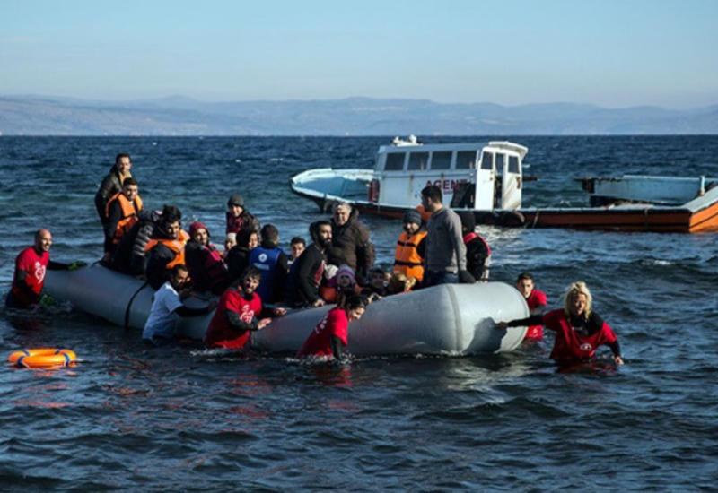 У берегов Турции затонула лодка с беженцами
